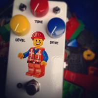 graig amp stompbox with lego